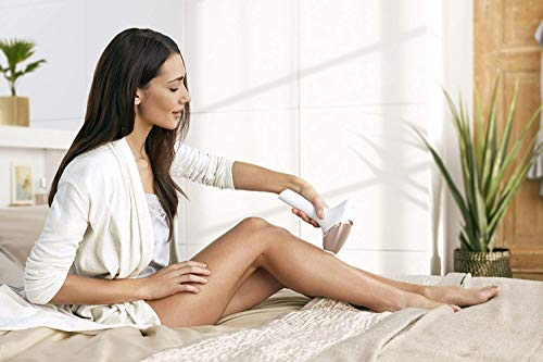 Philips Lumea Prestige IPL Haarentfernungsgerät BRI956 – Lichtbasierte Haarentfernung für dauerhaft glatte Haut - inkl. 4 spezieller Aufsätze für Körper, Gesicht, Bikini-Zone & Achseln