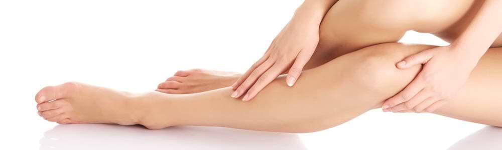Glatte Beine mit IPL Haarentfernung